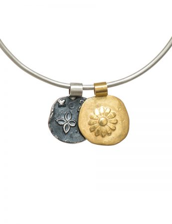 Two Circle Flowers Bracelet - Gold & Black