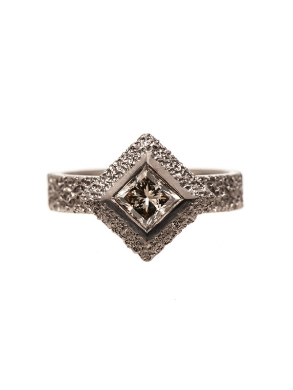 Sunken Pyramid ring
