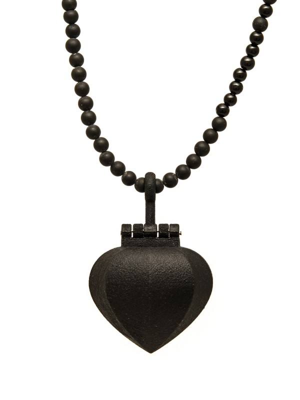 Black Sacred Heart locket/necklace