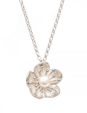 Flower Pearl Pendant Necklace