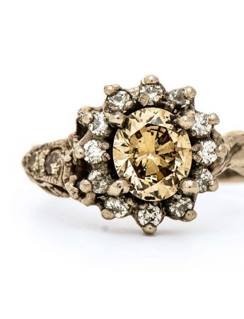 Queenie ring