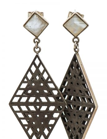Amplify 2D earrings - Moonstone