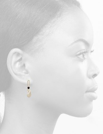 Crossed disc earrings – black ball