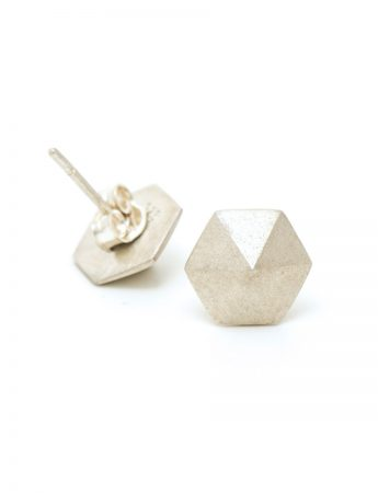 Hexagon stud earrings – silver