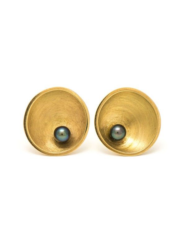 Dish Stud Earrings – Gold & Pearl