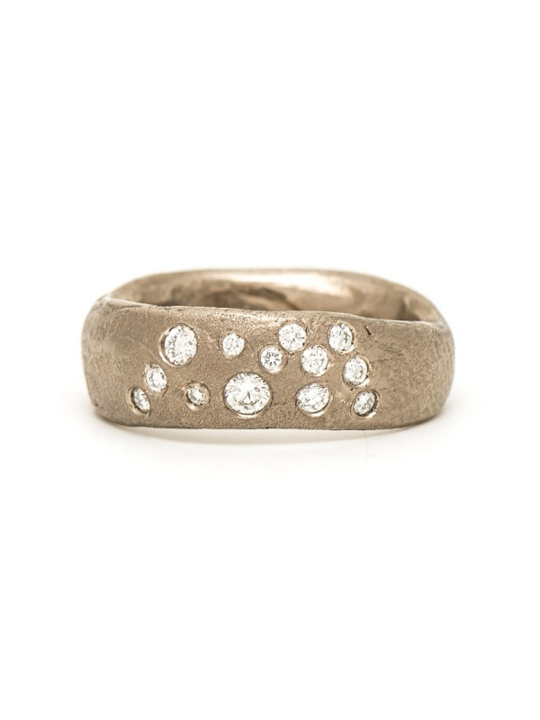 Random Ring – White Gold & Diamond