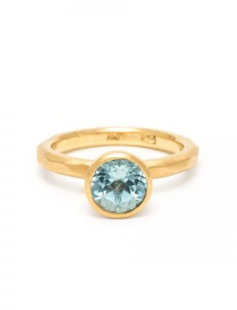 Aquamarine Ring – Yellow Gold