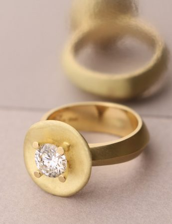 Buttercup Ring – Yellow Gold & Diamond