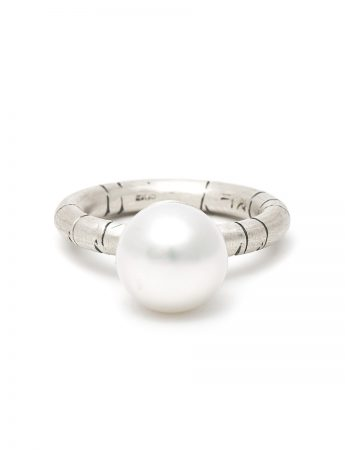 Mermaid Bauble Pearl Ring - Silver