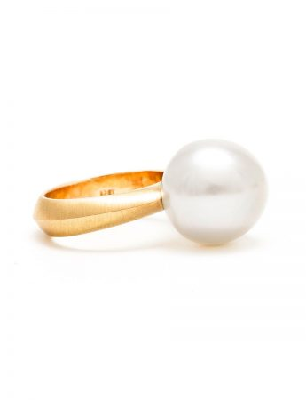 Pearl Ring - Yellow Gold