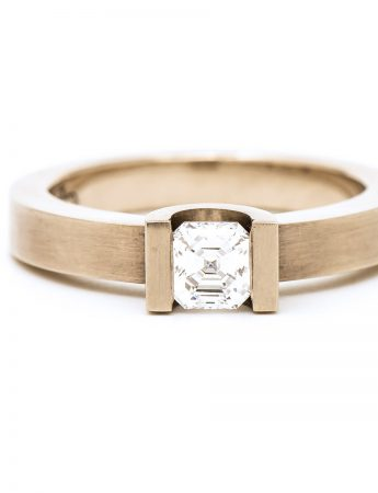 Curve Set Ring - Asscher Cut Diamond