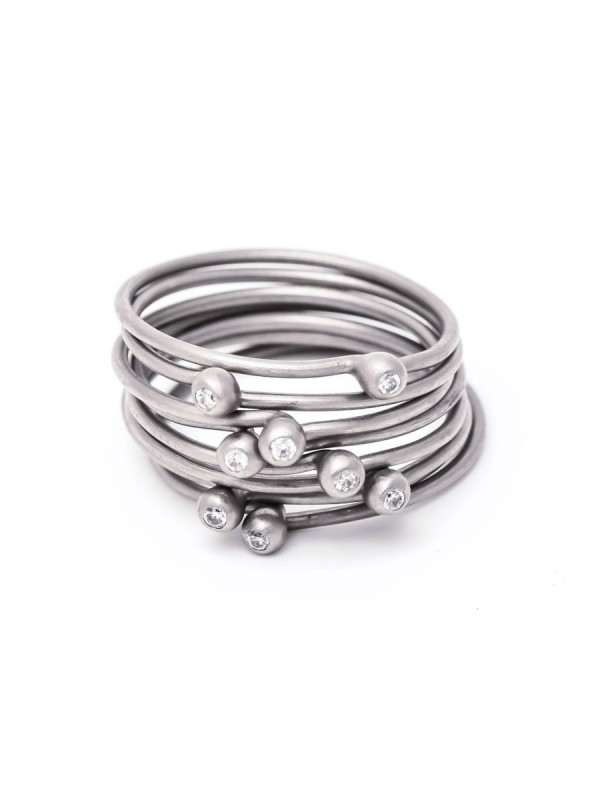 Petit Pois Ring – White Gold & Diamond