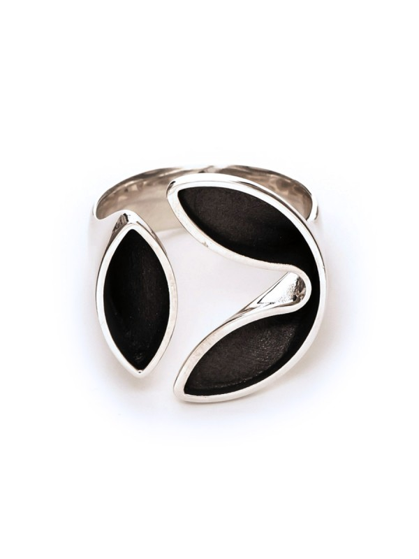 Empty Lily Ring