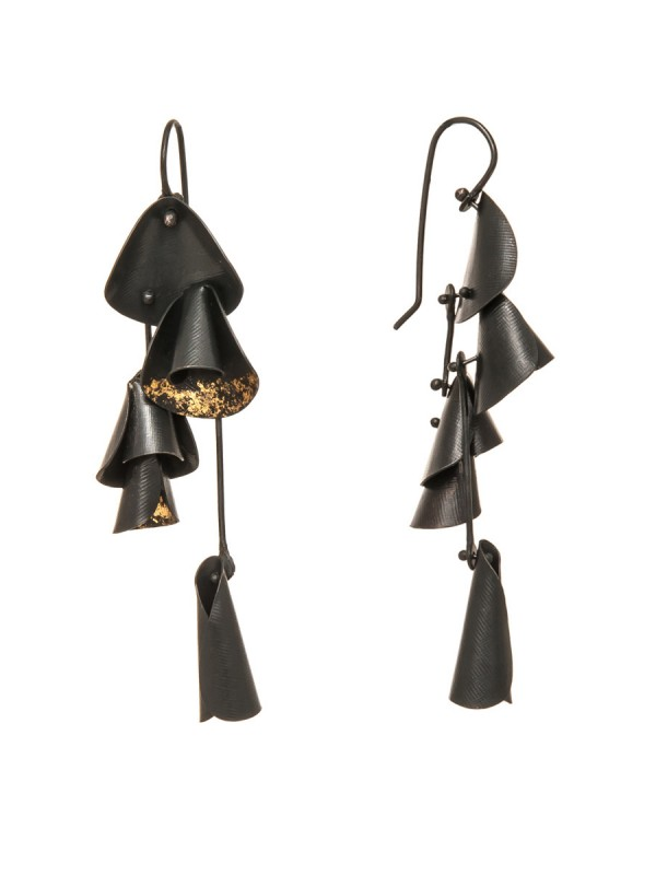 Long Pea Flower Earrings – Black & Gold