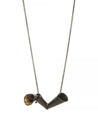 Pea Flower Necklace - Black & Gold