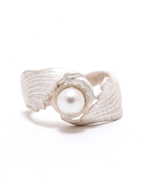 White Bird Pearl Ring