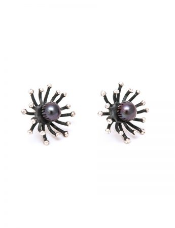 Blossom Stud Earrings - Black Pearl