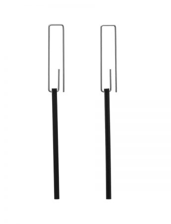 Long Hidden Line Earrings - Black