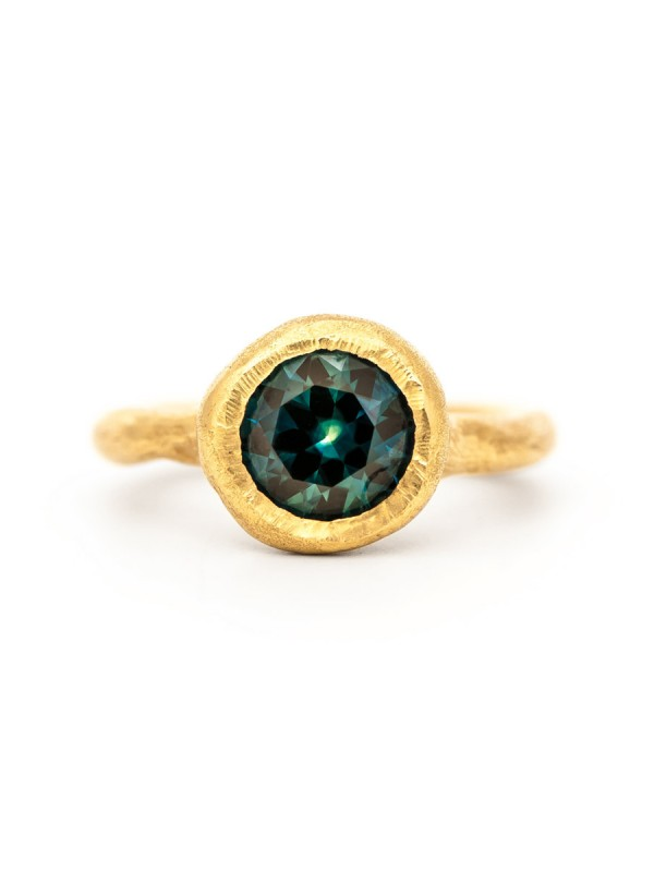 To Manifest Ring – Yellow Gold & Sapphire