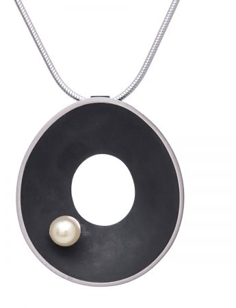 Sea Dish Necklace - Pearl