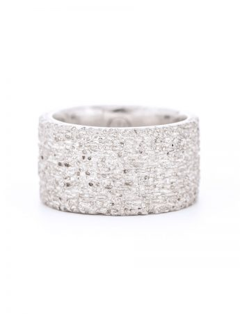 Wide Sunken Ring – Silver