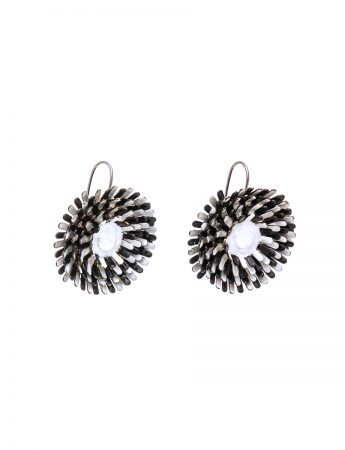 Daisy Earrings – Black & White