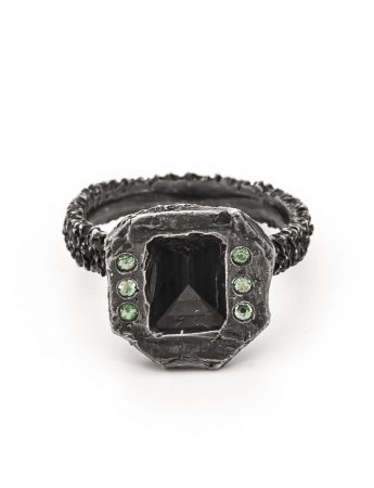 'Lost Emerald' Ring