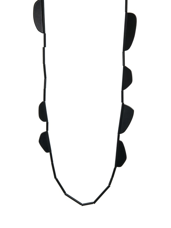 Black Flap Neckpiece – Long