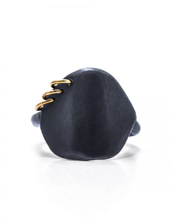 Neru Disc Ring - Black & Gold