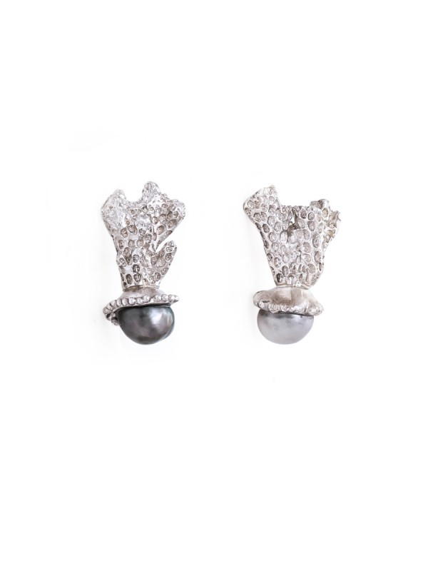 Coral Studs – Cook Island Pearl