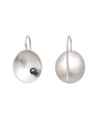 Small Sea Dish Hook Earrings - Grey Pearl