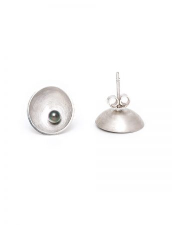 Small Sea Dish Stud Earrings - Grey Pearl