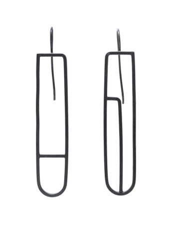 Long Sen Line U Earrings - Black