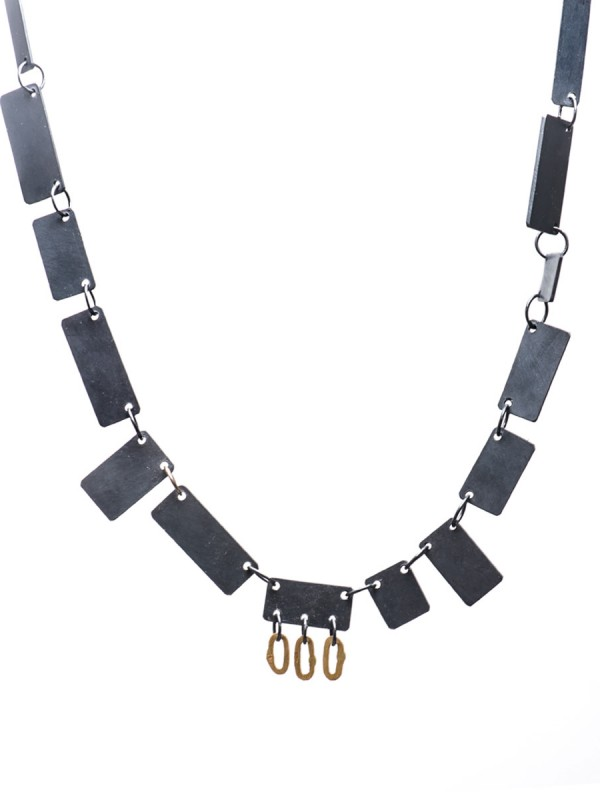 Shikaku Necklace – Black & Gold