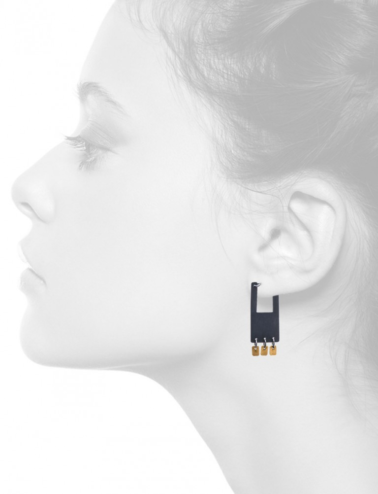 Shikaku Rectangle Earrings – Black & Gold