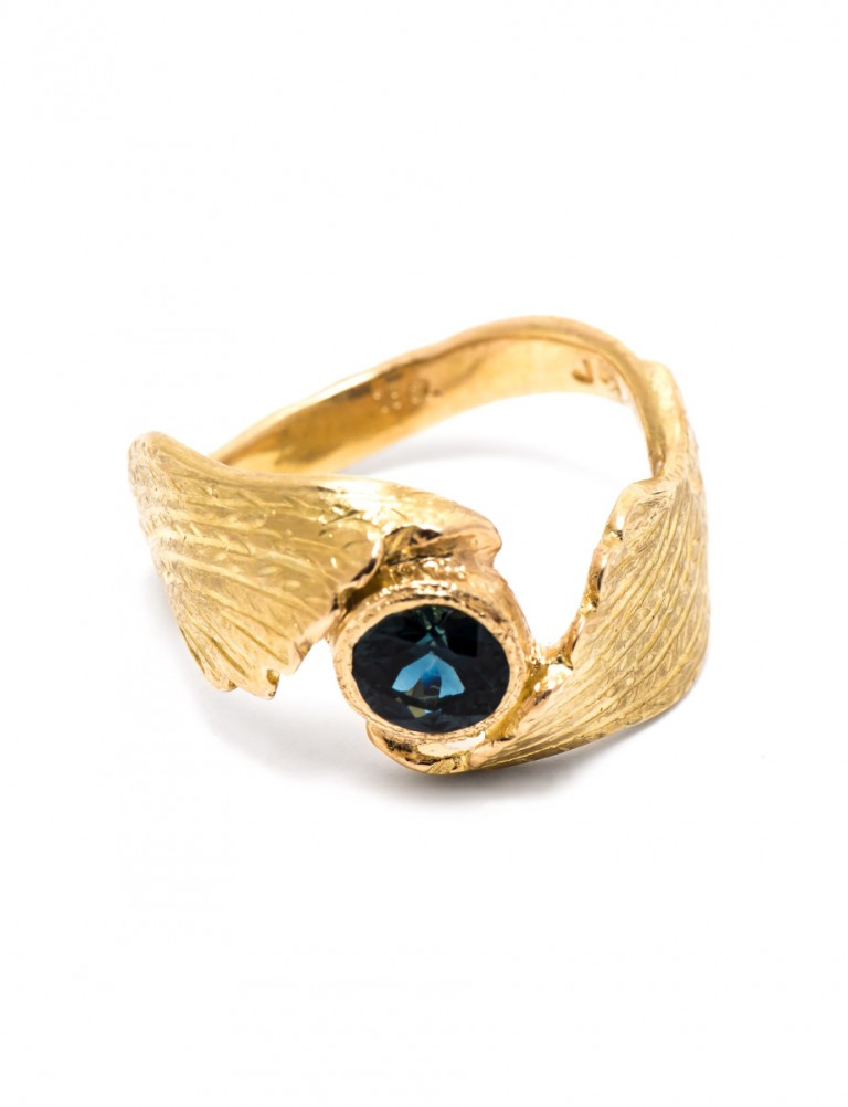Blue Angel Ring – Gold & Sapphire