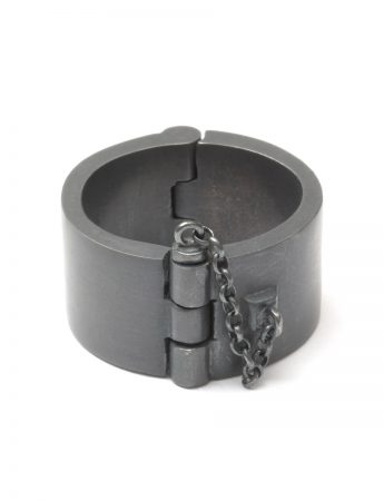 Heavy Cuff Ring - Black