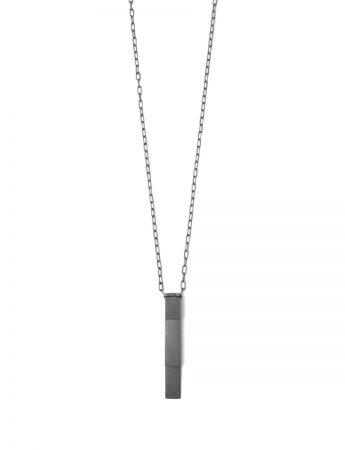 Long Morph Pendant Necklace – Black