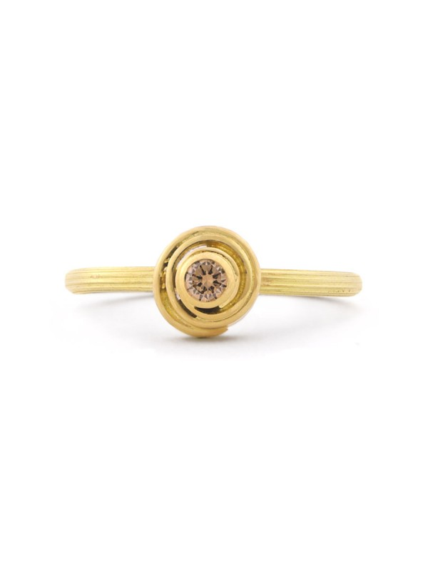 Rosette Ring – Cognac Diamond