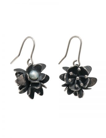 Bouquet Pearl Earrings - Blackened Silver