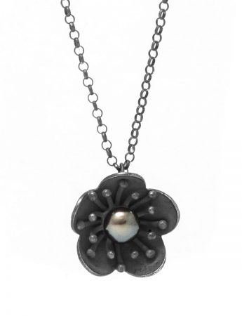 Flower Pendant Necklace - Black Pearl