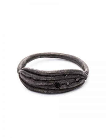 Neru Noodle Ring - Black Diamonds
