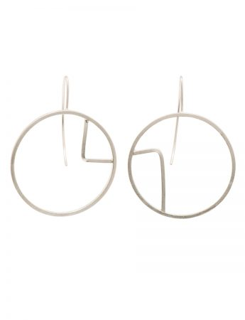 Sen Line Asymmetric Circle Earrings - Silver