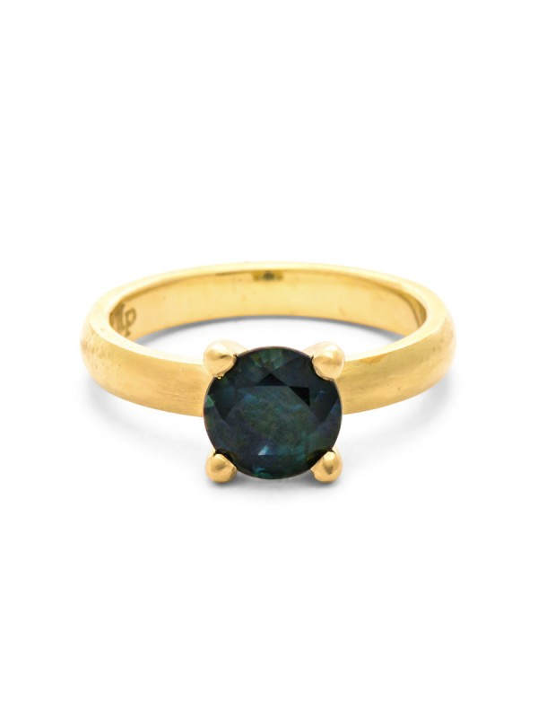 Solitaire Parti Sapphire Ring