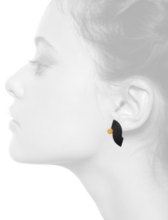 Curve Stud Earrings – Black & Gold
