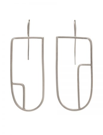 Sen Line Asymmetric U Earrings - Silver
