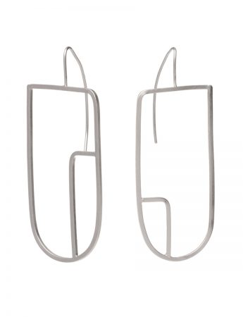 Sen Line Asymmetric U Earrings – Silver