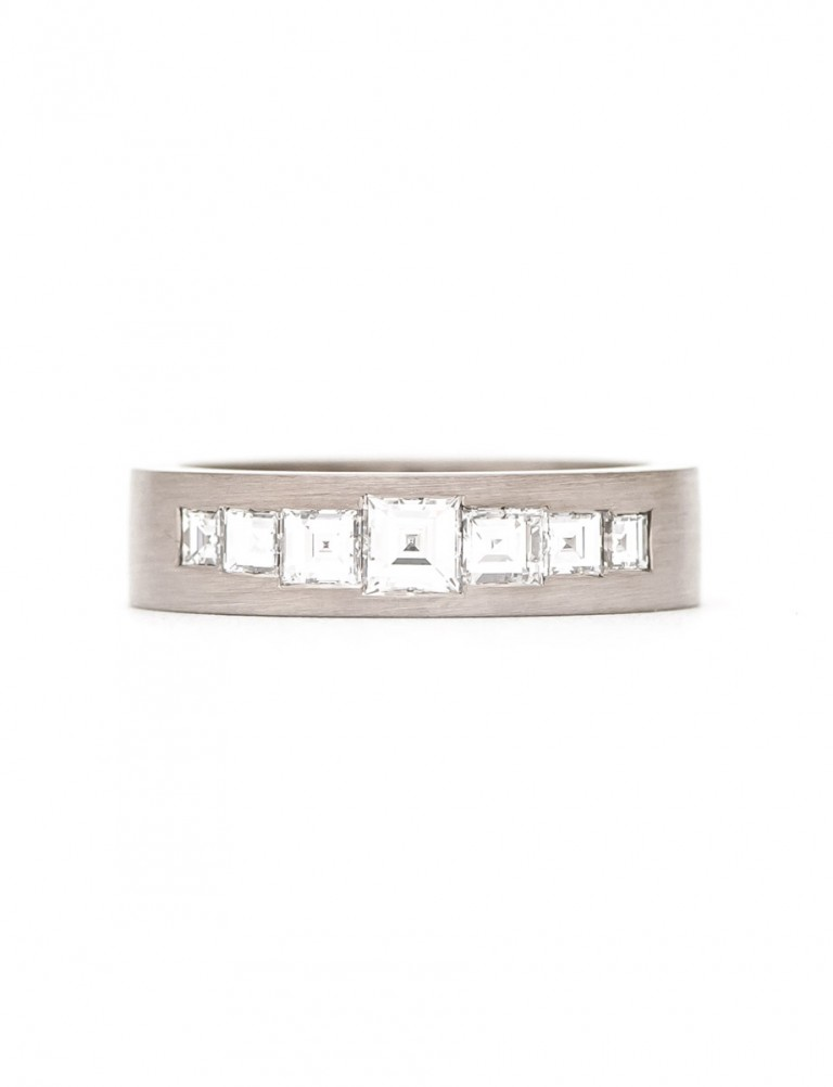 Carre Ring – White Gold & Diamonds