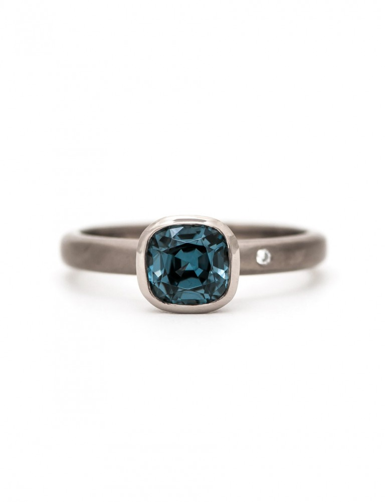 Cloudburst Ring – Spinel & Diamond
