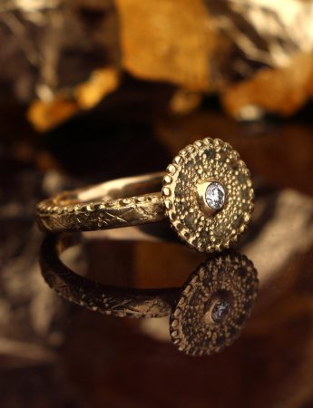 Stargazer Ring – Yellow Gold & Diamond